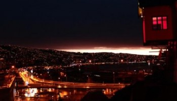 Ascensor Barón, Valparaíso, Chile. Imagen by: Limondeazapa