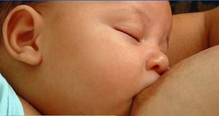 Beneficios de la lactancia para el bebé y la mamá