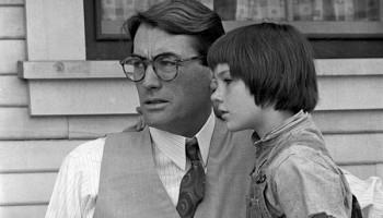 """Fotograma de la película """"Matar a un ruiseñor"""" con Gregory Peck"""