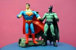 Figuras de superhéroees para regalar de Supermán y Batman