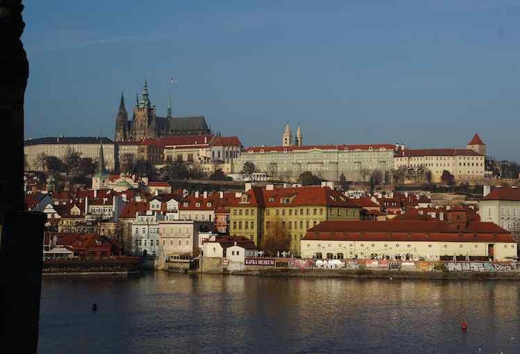 Praga, unas vacaciones de Navidad baratas y de ensueño