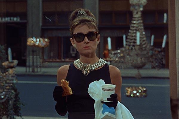 """""""Desayuno con diamantes"""", un gran clásico con Audrey Hepburn"""
