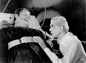 Glenn Strange y Boris Karloff - Imagen by Universal Pictures