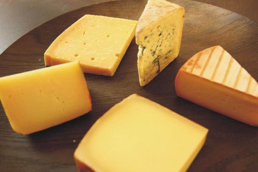 Comprar quesos: calidad, conservación y corte