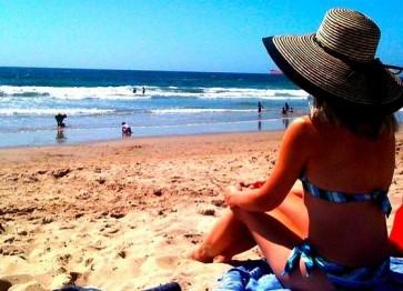 Cuidar la piel del sol: protección con cosméticos naturales