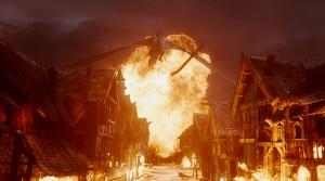 """Fotograma de la película """"El hobbit: La batalla de los cinco ejércitos"""": Jinete negro - Nazgûl - Tolkien"""