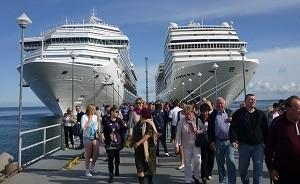 gente y cruceros