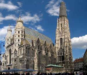 Catedral de San Esteban: amalgama de estilos: románico, gótico o barroco