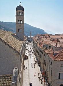 Stradun, la via principal y empedrada de Dubrovnik -Imagen de Laszlo Szalai