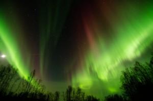 El origen de las auroras boreales está en la interacción del viento solar con el campo magnético terrestre - CC-by Fairbanksmike