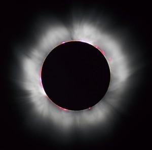 Sigue los consejos para ver un eclipse de Sol - CC-by Nils Ölmedal