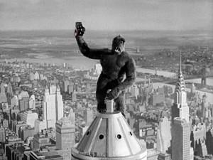 Fotomontaje del autor del artículo: selfie de Kong en el Empire State