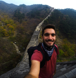 Un selfie en Muralla China. Foto de https://memoriasdeunviajesinretorno