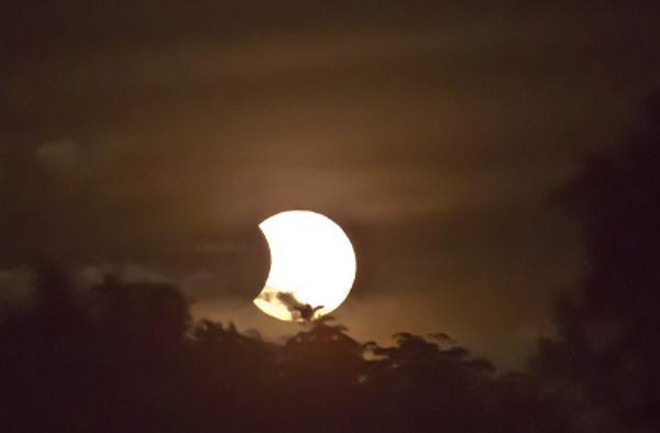 Eclipse solar para estrenar la primavera 2015