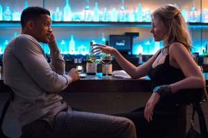 """Imágenes y crítica de la película """"Focus"""", en una escena con los protagonistas Will Smith y Margot Robbie"""