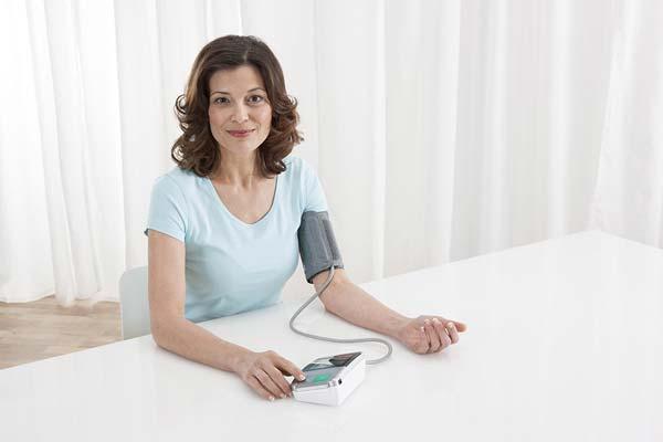 Consejos para tomarse correctamente la tensión arterial en casa