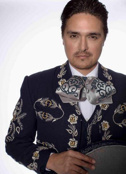 Descubriendo al cantante mexicano Omar Arreola