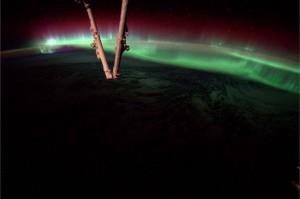 Vista de una aurora boreal desde el espacio - NASA