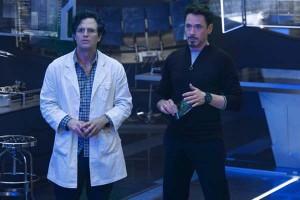 """Escena y crítica de la película """"Vengadores: La era de Ultrón"""" con Robert Downey, Jr."""