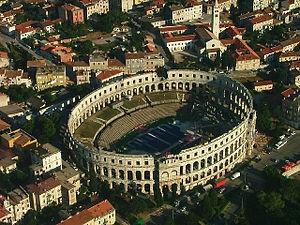 El anfiteatro romano de Pula es una de las visitas más importantes que se pueden hacer en Croacia. Hoteles en Pula