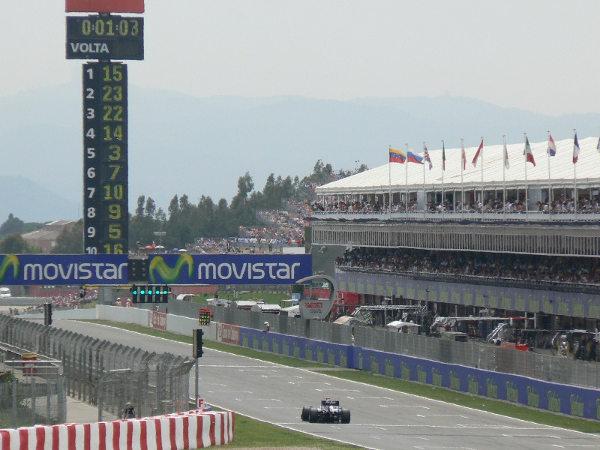 GP España F1 2015: Rosberg, pole en Montmeló. Carlos Sainz, quinto