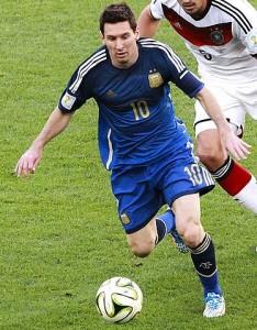 Messi en una jugada durante la final del pasado Mundial