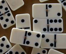 La dominomancia o adivinación por medio del dominó