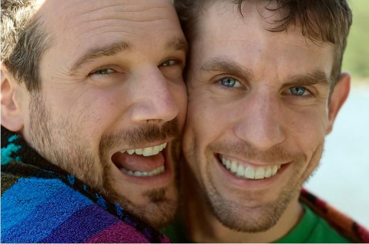 Las mejores páginas de contactos gays para ligar
