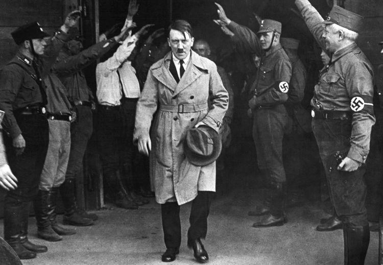 Mal de Parkinson pudo haber sido la perdición de Hitler