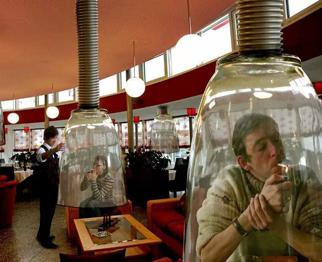 Dejar de fumar implica mucha voluntad.