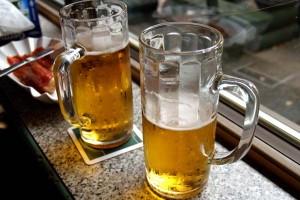 Goeuro cuanta cerveza beben españoles Mahou, San Miguel, Cruzcampo, cerveza, Estrella, Estrella Galicia