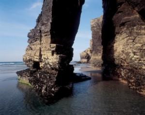 Qué hacer en la zona de La Playa de las Catedrales,en Galicia: excursiones, actividades náuticas, reserva de hoteles en Galicia