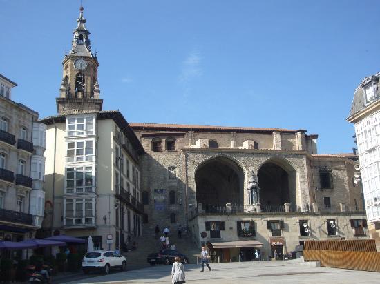 Vitoria Gasteiz: turismo y hoteles con encanto