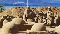 En algunas playas se exhiben nacimientos de arena como el belén de Playa de las Canteras