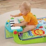 Fisher Price y su piano pataditas