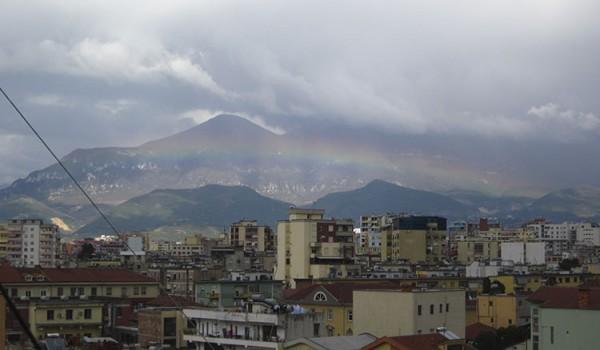 La encantadora y caótica capital de Albania, Tirana – foto de la autora