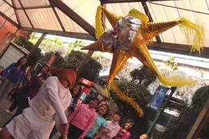 En las posadas mexicanas es una tradición romper la piñata