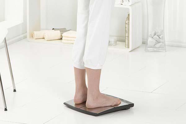 Las 10 mejores básculas digitales-electrónicas para comprar online con o sin medición de la grasa corporal