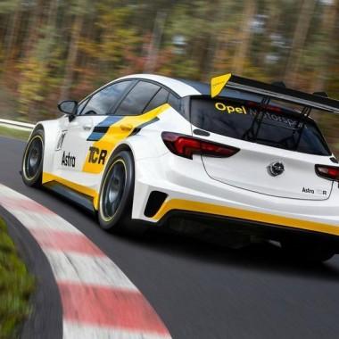 Opel Astra de competicón