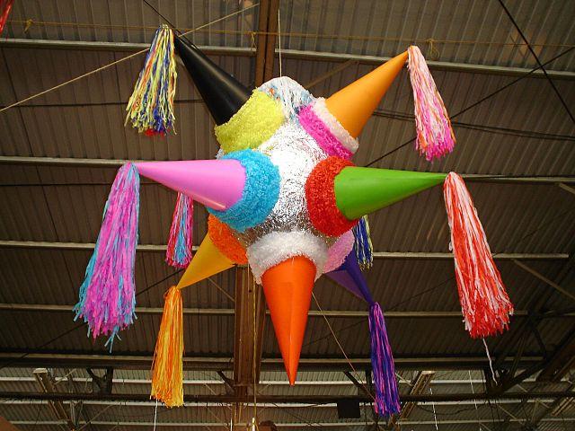 La piñata de estrella y los siete pecados capitales