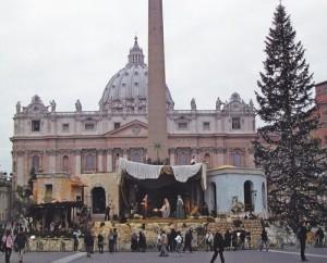 El abeto adornado en el Vaticano