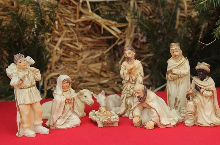 Bonitos belenes de navidad para decorar tu hogar - Belenes de navidad manualidades ...