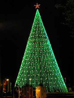 Árbol de Navidad en Plaza España de Córdoba (Argentina)
