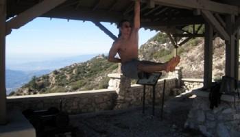 Fitness al aire libre con peso corporal/ Esteban Khuong