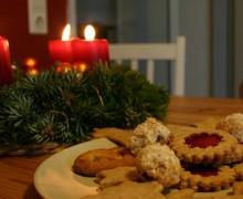 Galletas de Navidad decoradas, una receta dulce con canela y jengibre