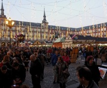 Madrid_-_Mercado_navideño_Plaza_Mayor_-_121223_175909