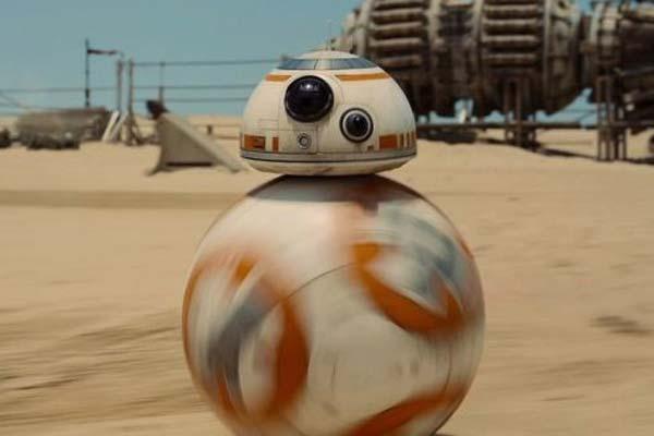 """El Droide BB-8, de """"Star Wars: El despertar de la fuerza"""", el regalo de moda para cumpleaños y Navidad"""