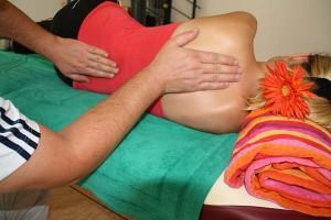 Fisioterapeuta en acción