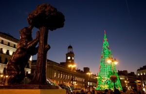 Puerta del Sol con árbol de Navidad