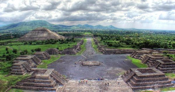 Pirámides de Teotihuacán. Turismo en el D.F.